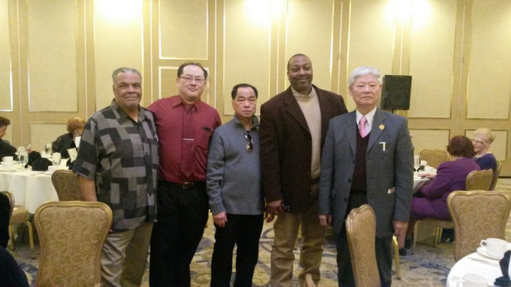 L to R:German-born US occupation survivor Wolfgang and banquet attendees from the Asian Federation of the United States and Yusef, raido personality (4 from left